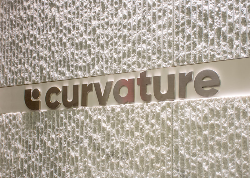 Curvature business wall mounted metal logo sign