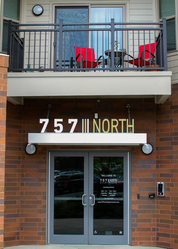 757 north exterior sign